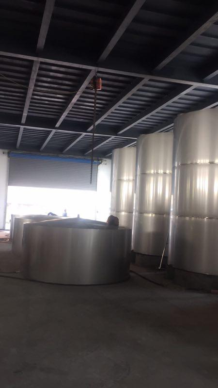 不锈钢罐群